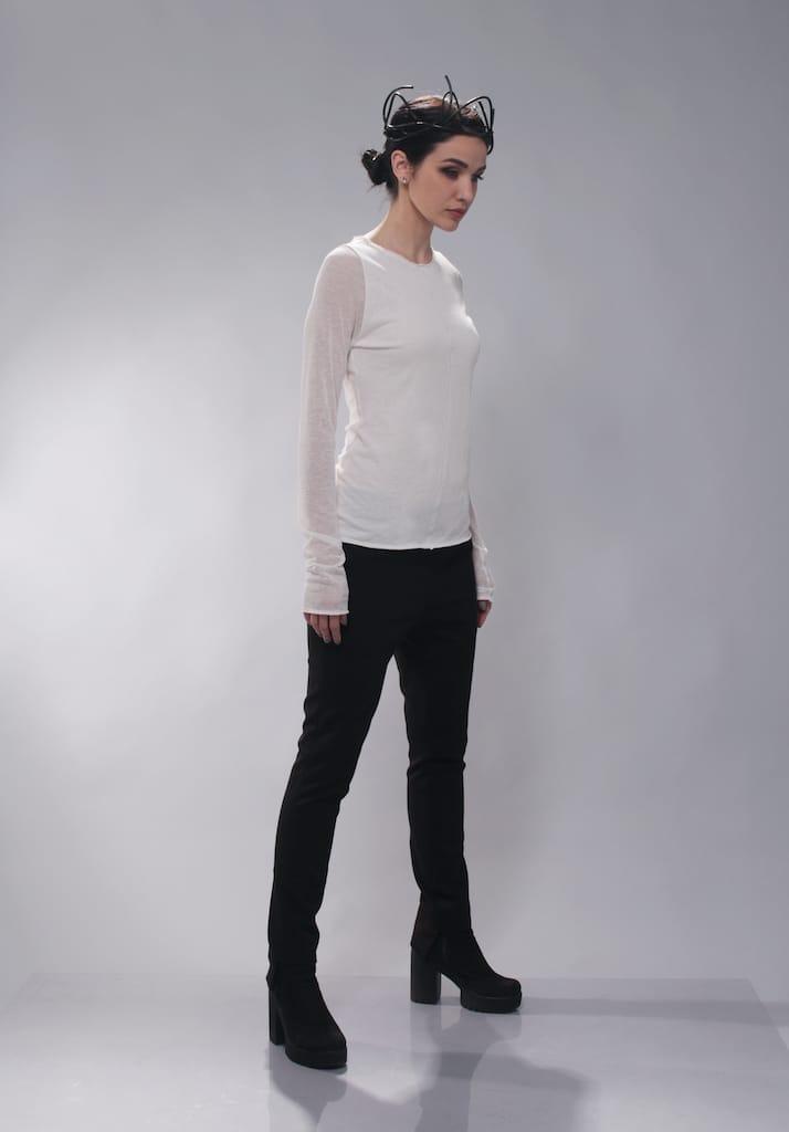 Базовая молочная блуза с прозрачным рукавом лен район